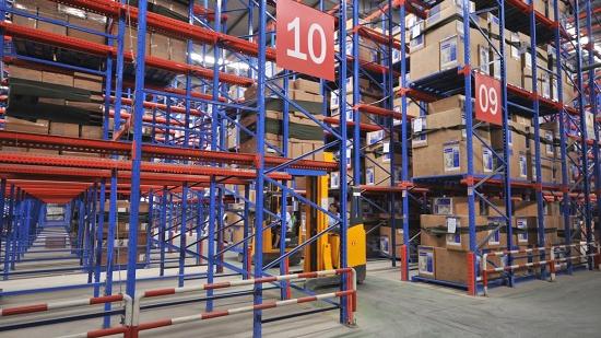 贯通式货架有什么优势?为什么仓储服务公司喜爱这款货架?